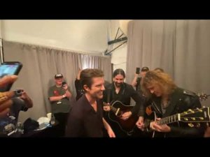 Watch The Killers give a concert from their dressing room