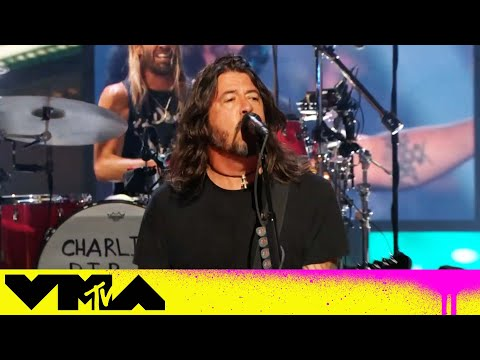 Watch Foo Fighters perform 'Everlong' at the 2021 MTV VMAs